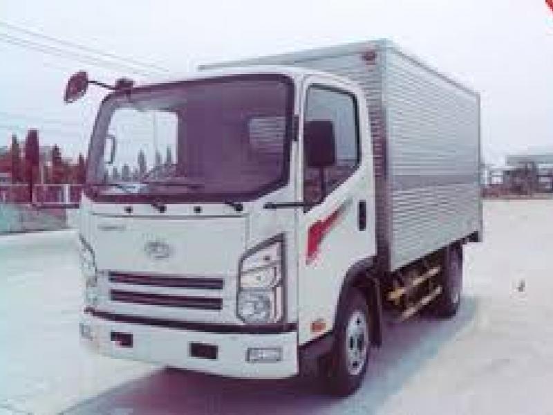 XE TẢI TERACO 240S THÙNG KÍN