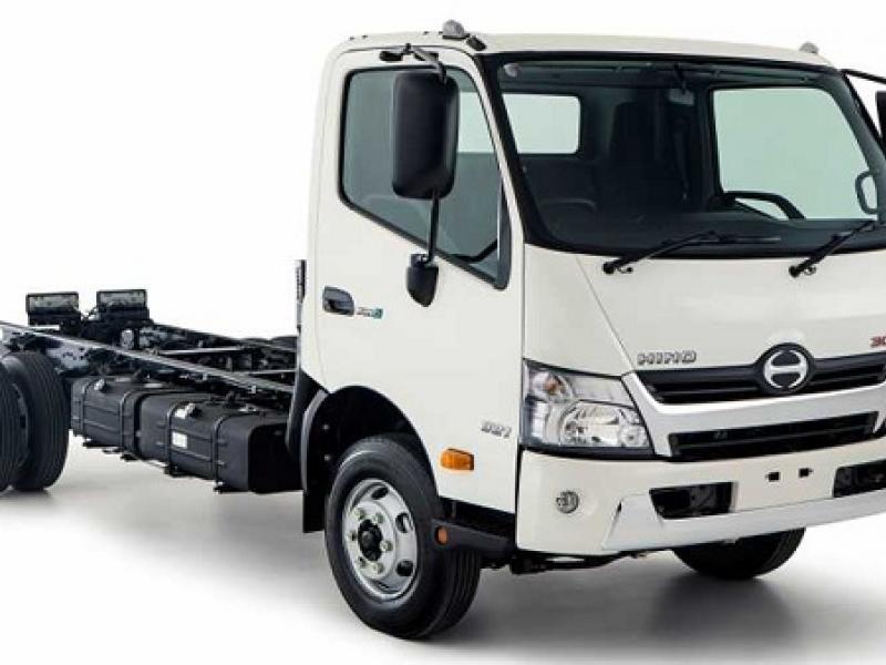 Xe tải Hino 1.9 tấn thùng lửng XZU650